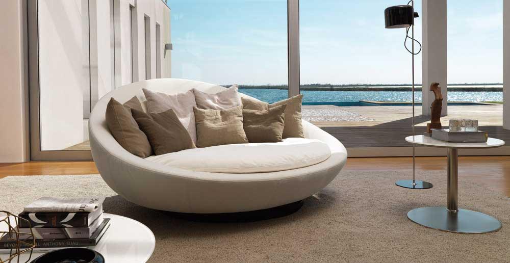 Divani Diversi In Salotto ~ Idee per il design della casa