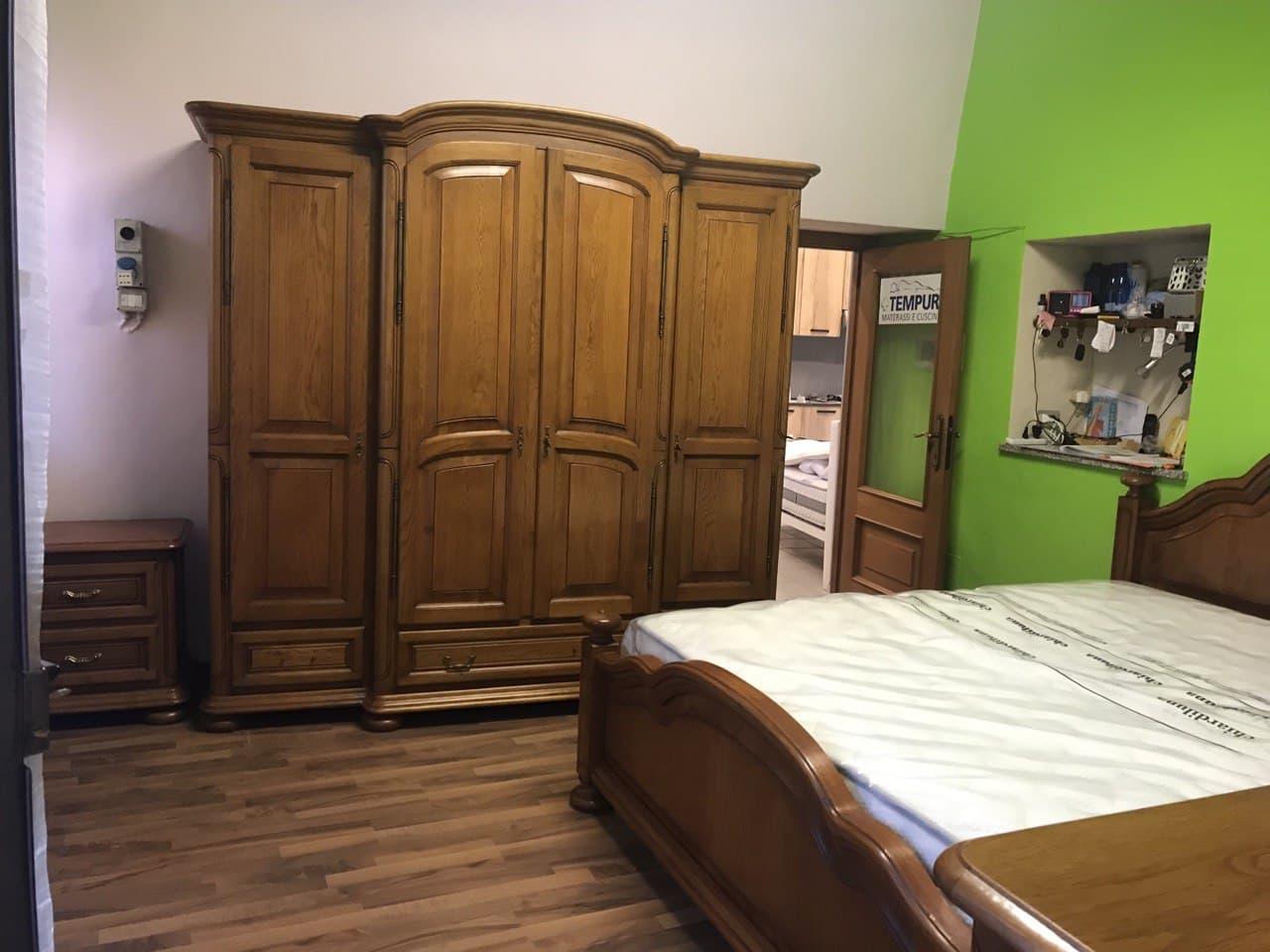 camera completa in legno massiccio